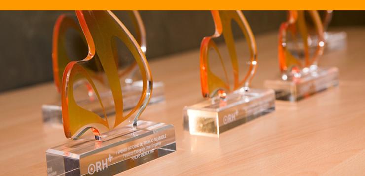 premios-estatuas.jpg