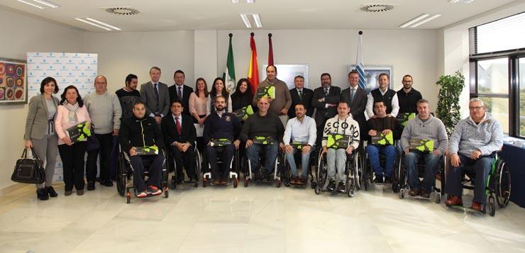 Grupo de Dependientes con cuidadores en el Hospital de Día Asepeyo Cartuja.