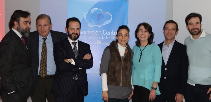 Los miembros de la recién elegida Junta Directiva de la Asocación Centro de Dirección de Personas.