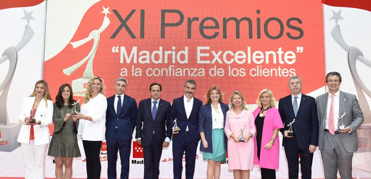 Foto-Premios-Madrid-Excelente-a-la-Confianza-de-los-Clientes.jpg