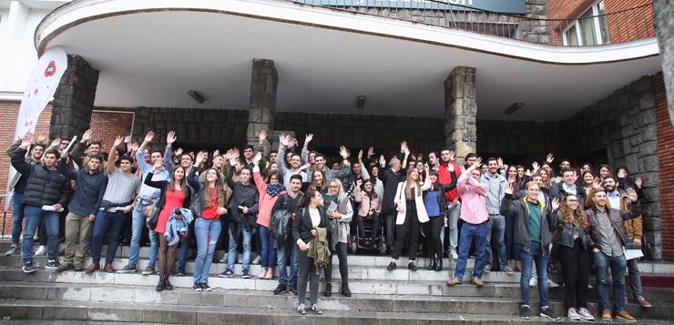 Los-alumnos-de-la-Universidad-de-Oviedo-que-participarán-en-el-programa-de-becas.jpg