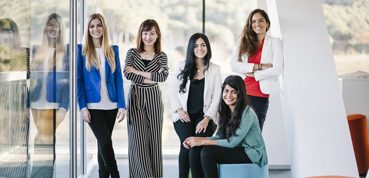 ESADE-women-oki.jpg