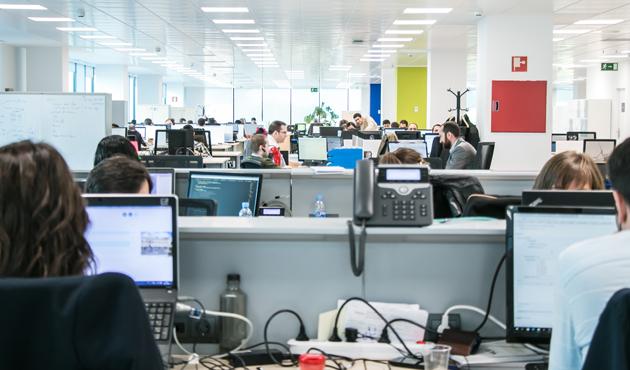 Trabajadores-de-la-consultora-especialista-en-soluciones-digitales-VASS.jpg