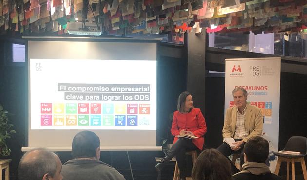 Leire Pajín e Ignacio Pi en el IV Desayuno ODS dentro