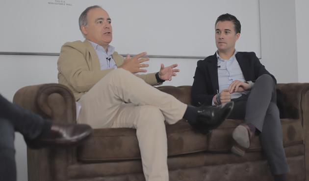 Javier Rodríguez Zapatero, presidente de ISDI (izda.) y Rodrigo Álvarez, managing director de Accenture Digital (dcha.)