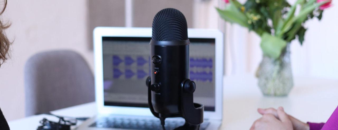 entrevistador-entrevista-fuera-1280x493.jpg