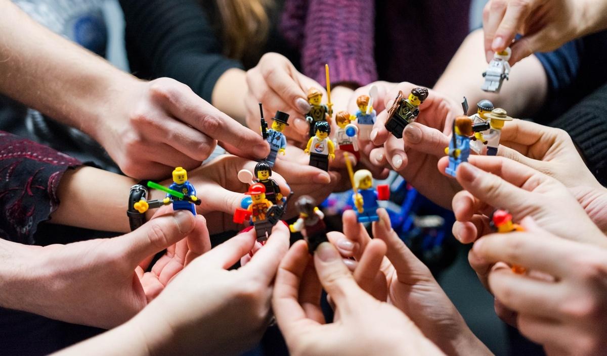 team-building-outfinders.jpg